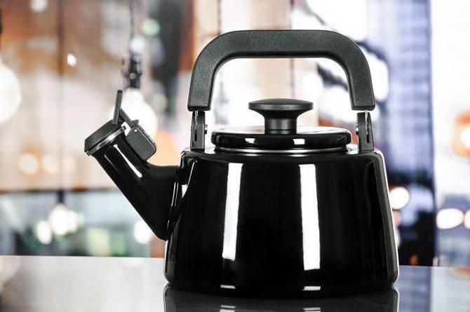 Czajnik emaliowany Forchetto Moderno Nero 2,1l czarny / Nowoczesny czajnik emaliowany