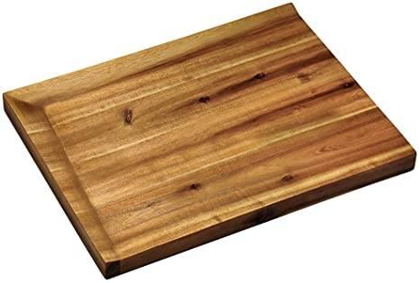 Masywna deska akacjowa z nachyloną powierzchnią cięcia 38x28x3cm